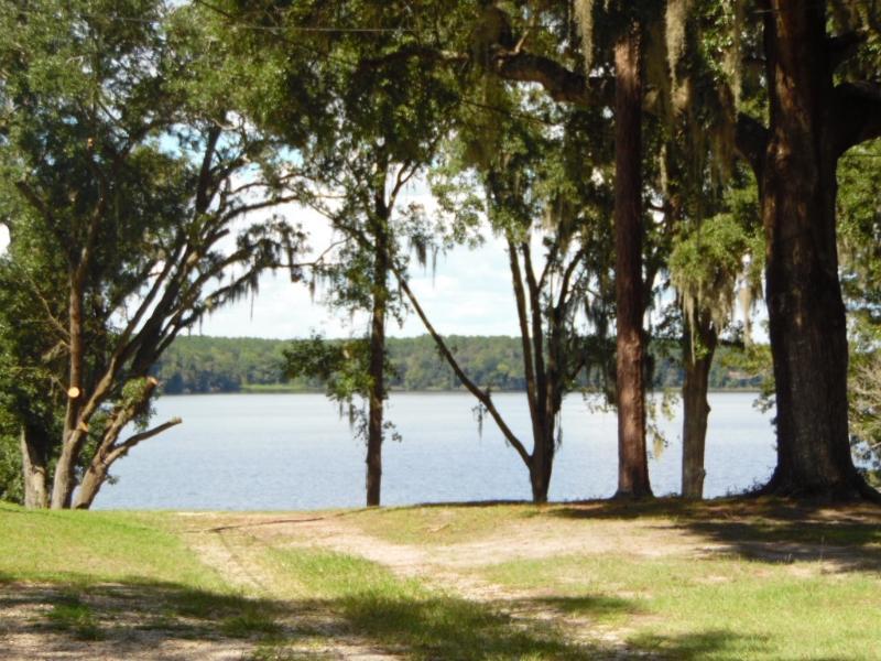 2008 Lake Point Ln, Tallahassee, Florida