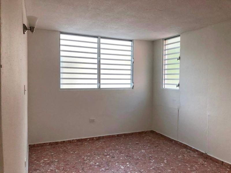 N7 13 Urb Las Leandras, Humacao, Puerto Rico