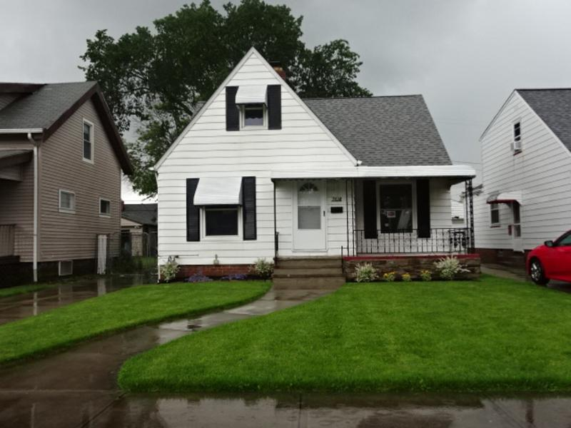 7618 Wooster Pkwy, Parma, Ohio