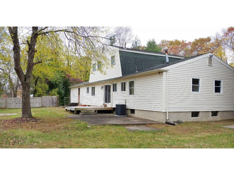 17 Saratoga Dr, Manalapan, New Jersey