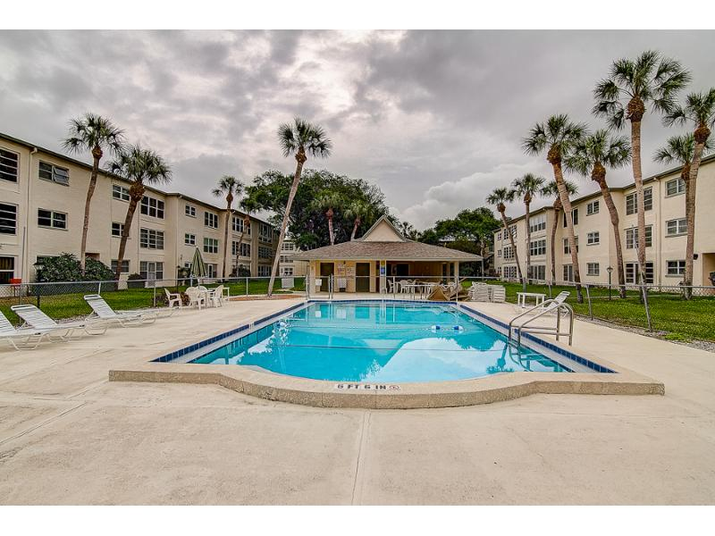 11710 Park Blvd Apt 102, Seminole, Florida