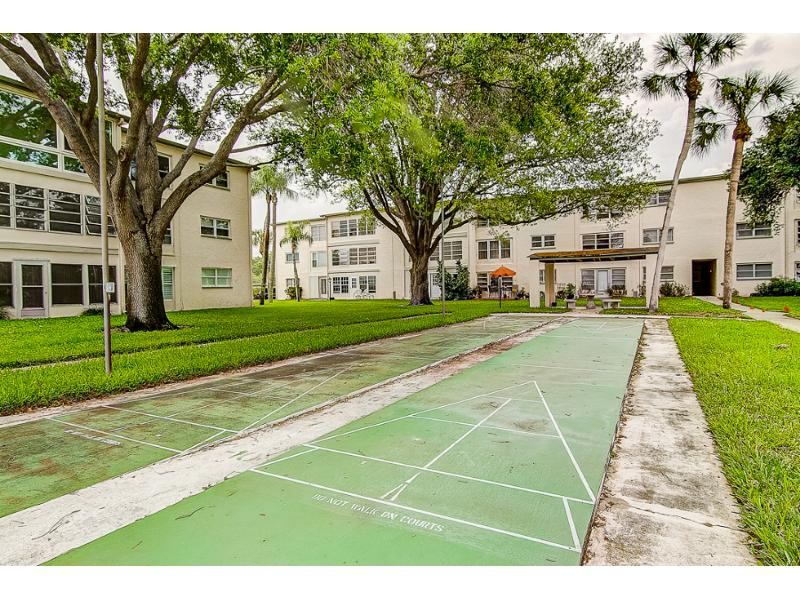 11710 Park Blvd Apt 102, Seminole, Florida