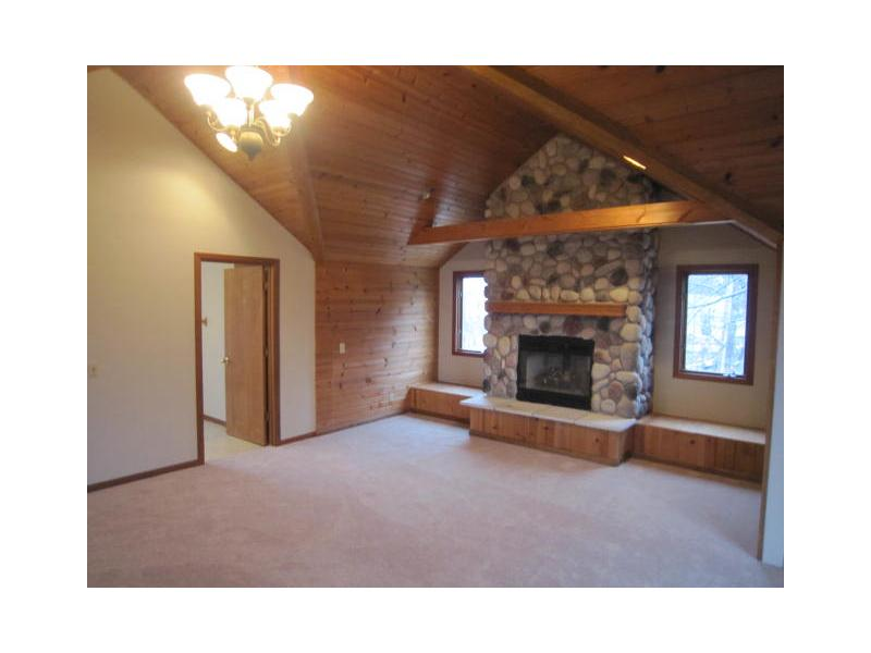 713 Pine St, Twin Lakes, Wisconsin