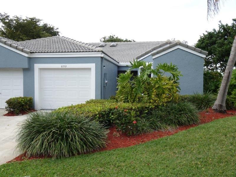 8201 Waterford Ave, Tamarac, Florida