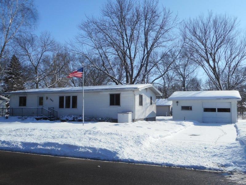 357 W 24th St, Buffalo City, Wisconsin
