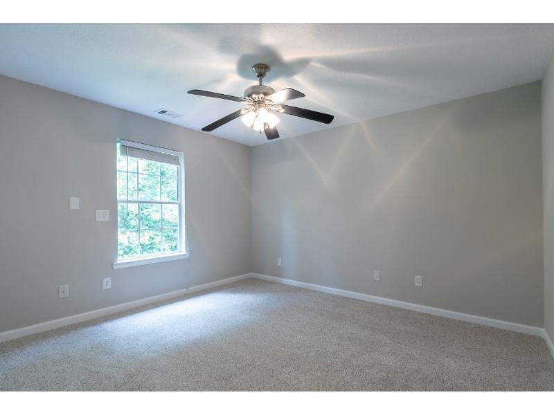 8835 Baycreek Ln, Gainesville, Georgia