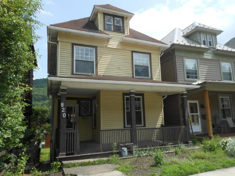 820 Washington Ave, Tyrone, Pennsylvania