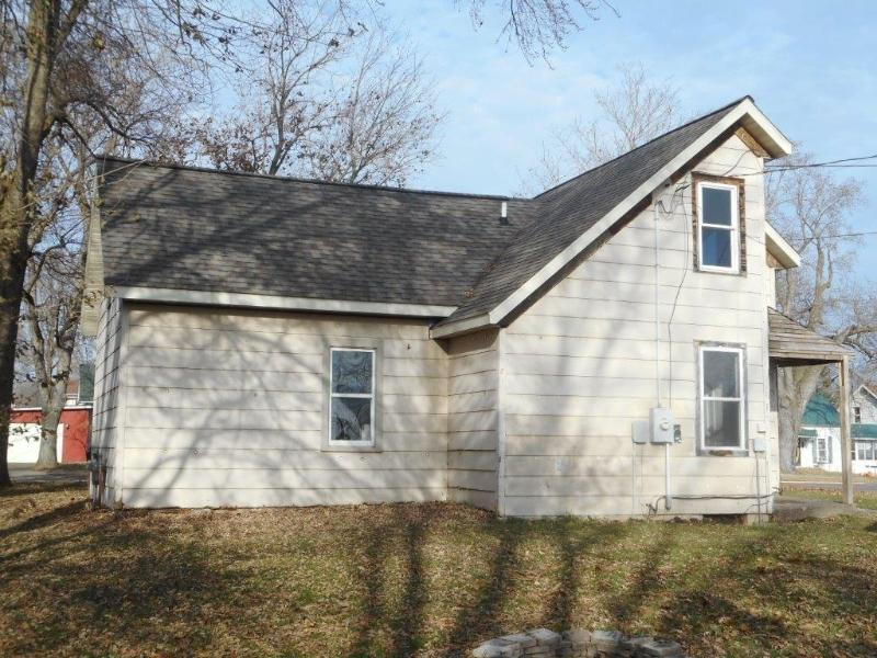 50587 South 2nd Street, Eleva, Wisconsin