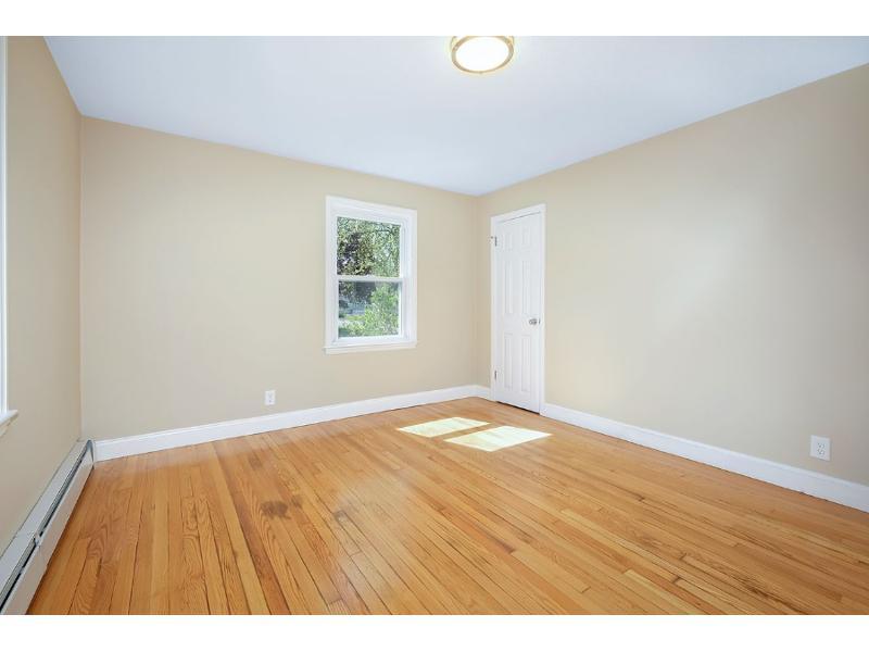 40 Wood Ave, East Longmeadow, Massachusetts