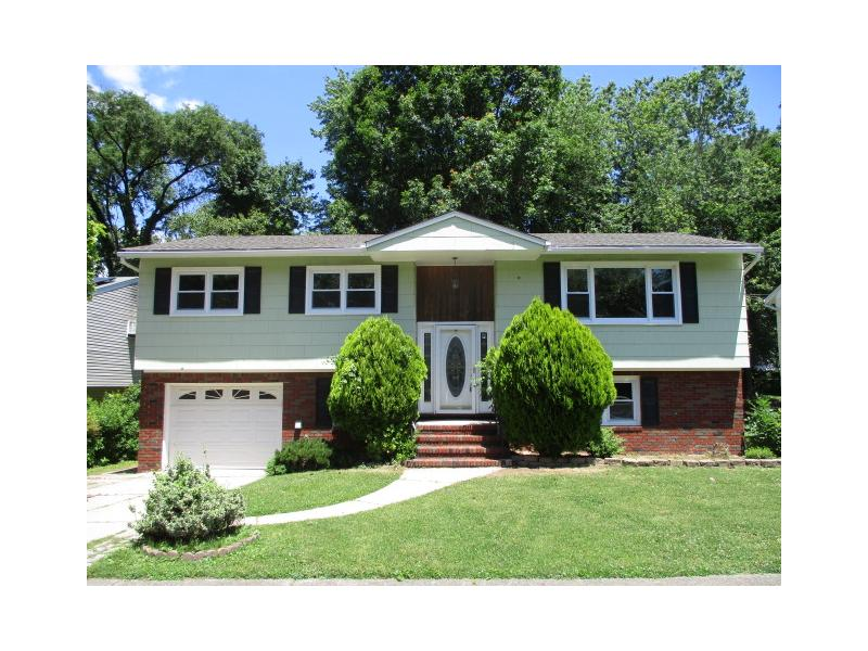 9 Gallagher Ct, Bergenfield, New Jersey