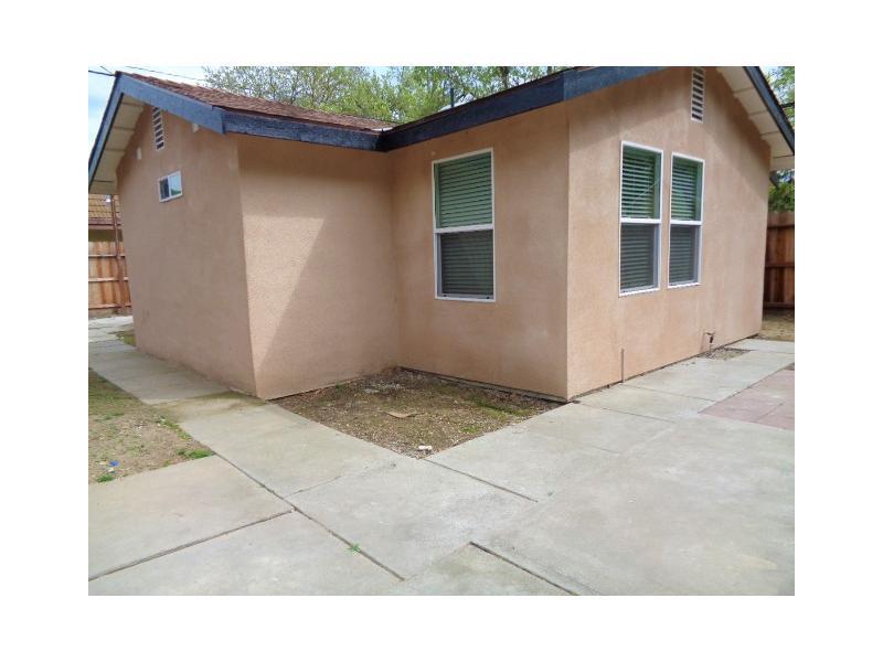 411 E Morris Ave, Modesto, California
