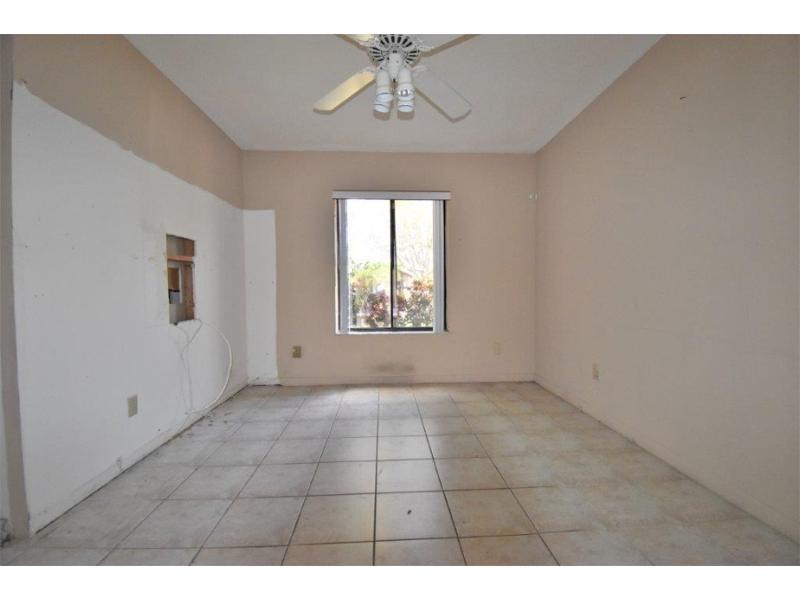 5645 Sw 88th Ave, Cooper City, Florida