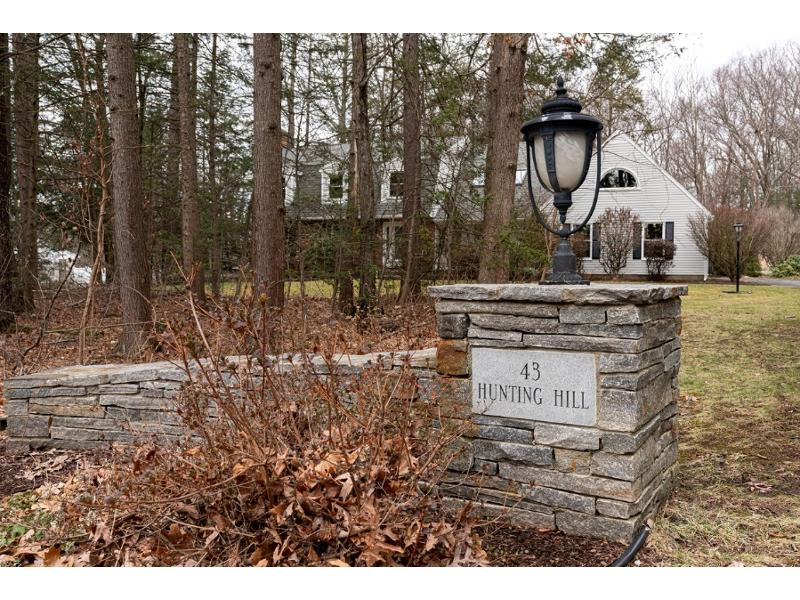 43 Hunting Hill Dr, Southington, Connecticut