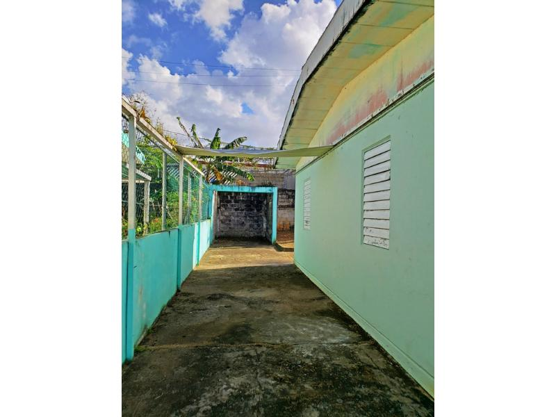 712 F Guiterrez, San Juan, Puerto Rico