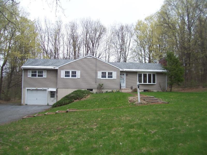 73 Settlers Rd, Bennington, Vermont