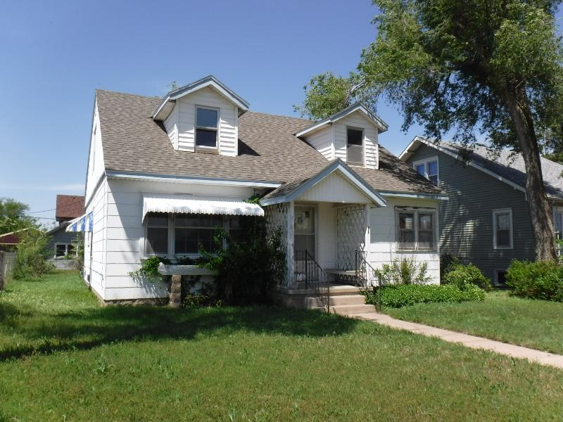 516 E 8th St, Kinsley, Kansas