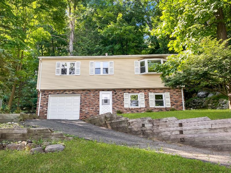 190 Skyline Lakes Dr, Ringwood, New Jersey