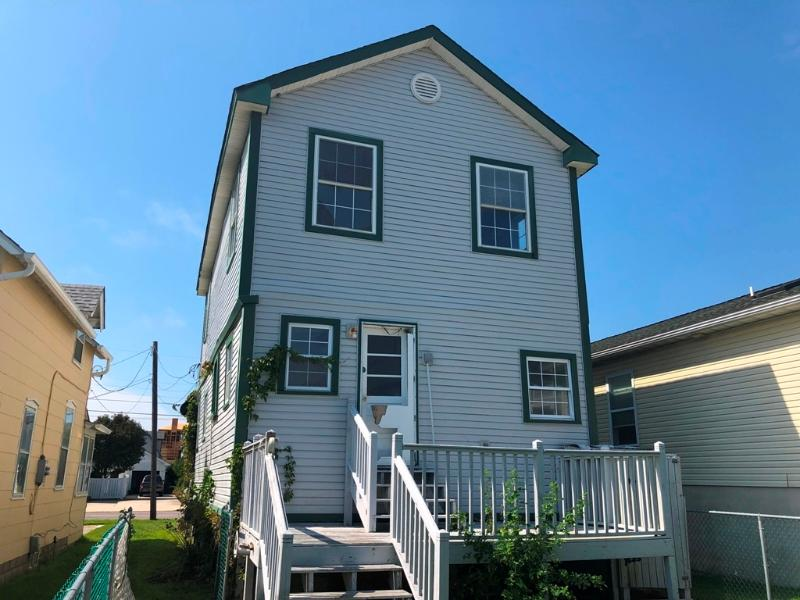 413 W Pine Ave, North Wildwood, New Jersey