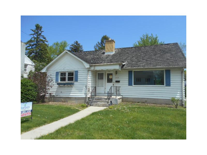 1153 N 11th Ave, West Bend, Wisconsin