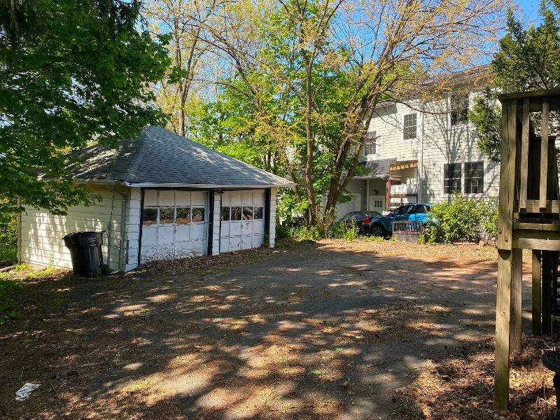 39 S Farview Ave, Paramus, New Jersey