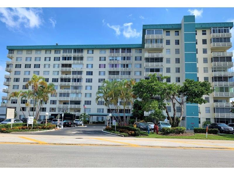 4330 Hillcrest Dr 200, Hollywood, Florida