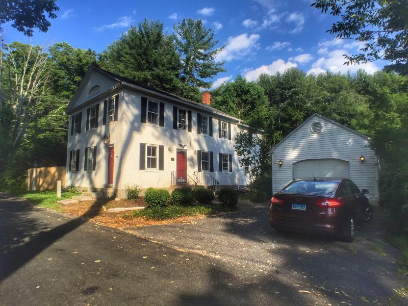 5 Mountain Road, Riverton, Connecticut