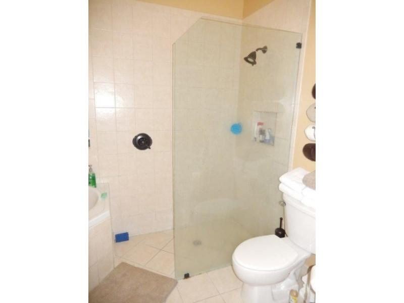 6464 Nw 43rd Ct, Coral Springs, Florida