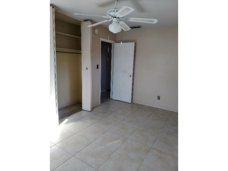 2496 Lourdes Drive West, Jacksonville, Florida