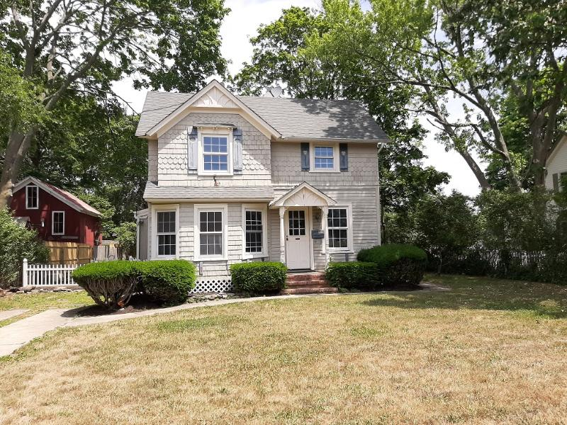 77e Lakewood St, Patchogue, New York
