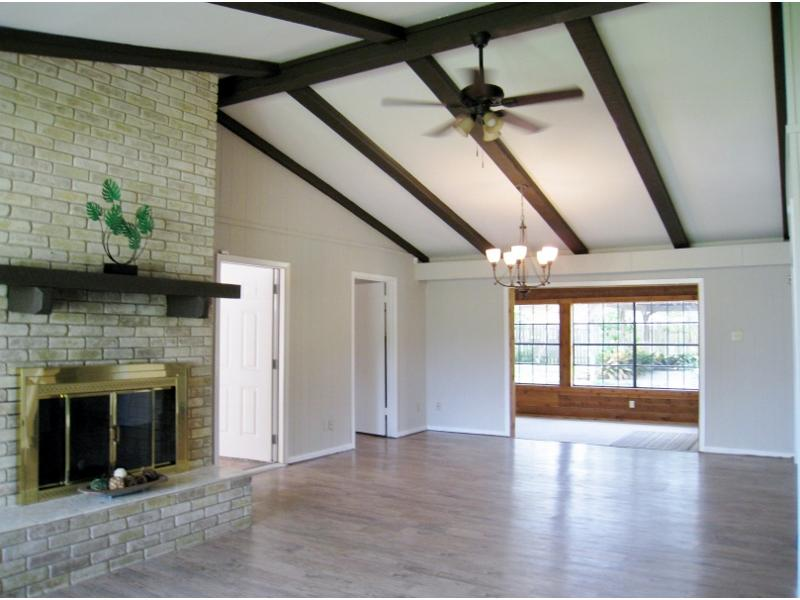 330 Tanglewood Trail, Gonzales, Texas