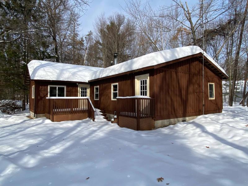 16413 Arthur Ln, Crivitz, Wisconsin