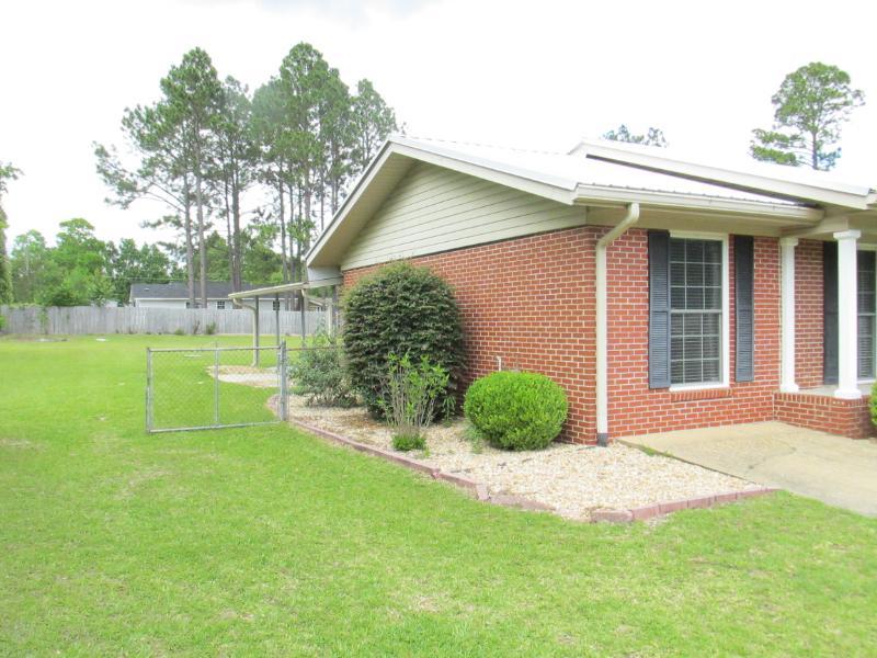 697 Cedar Dr, Ashburn, Georgia