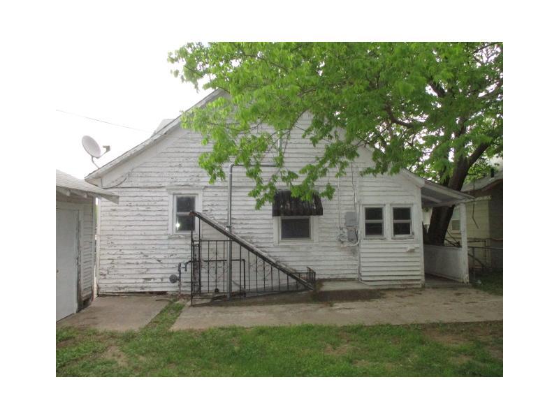609 S B St, Arkansas City, Kansas