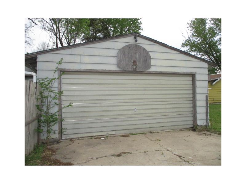 611 E 5th St, Newton, Kansas