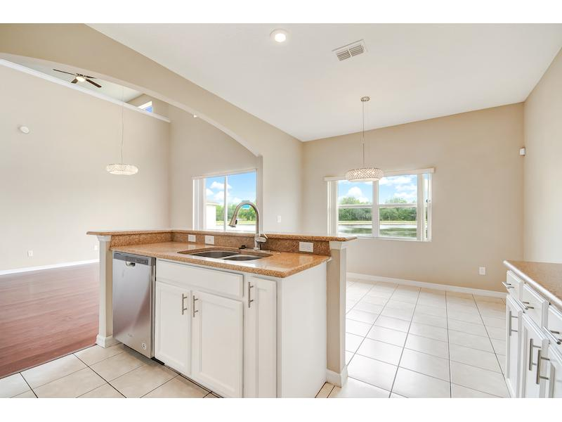 4383 Fawn Lily Way, Kissimmee, Florida