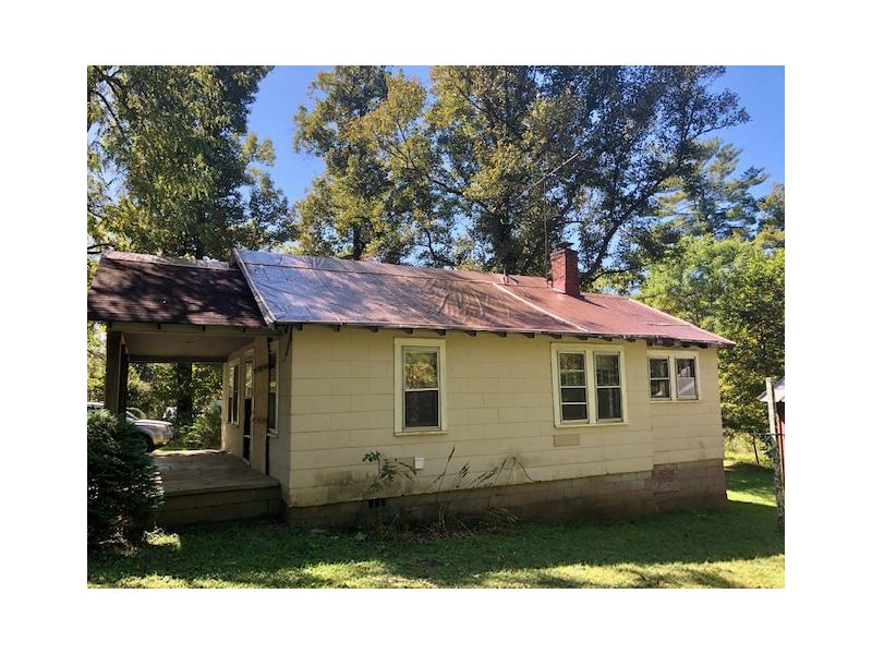 136 Whitaker Road, Fairview, North Carolina