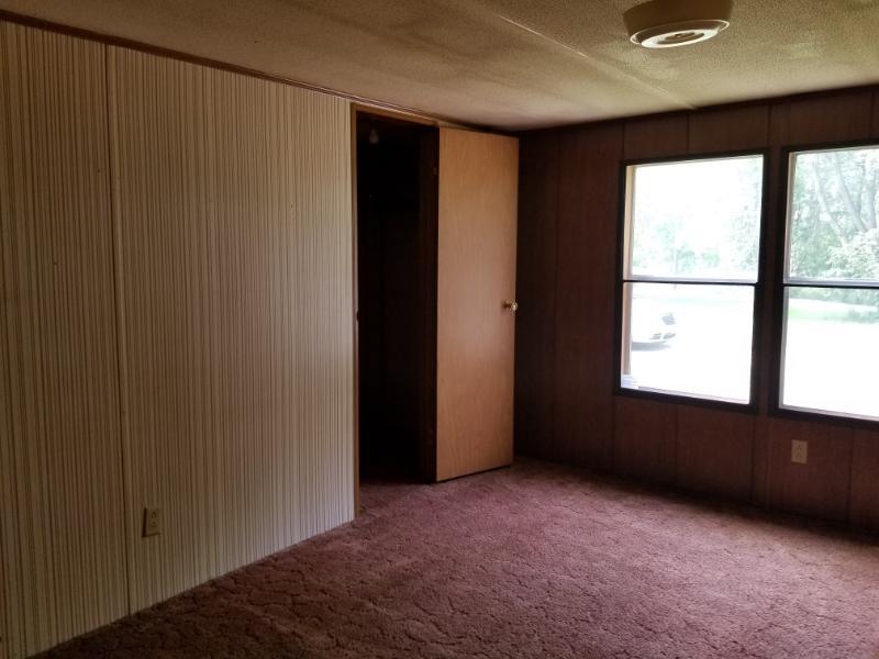 10602 Shreve Rd, Shreve, Ohio