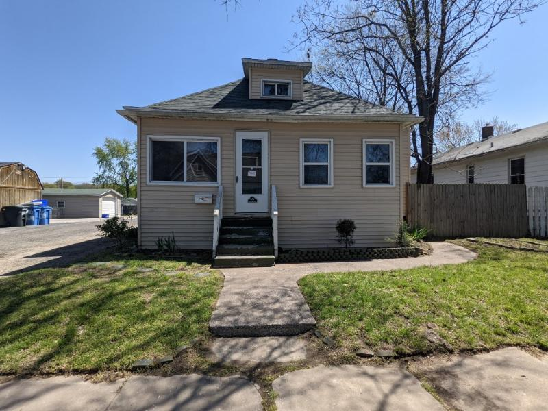 654 Bowman Avenue, East Alton, Illinois