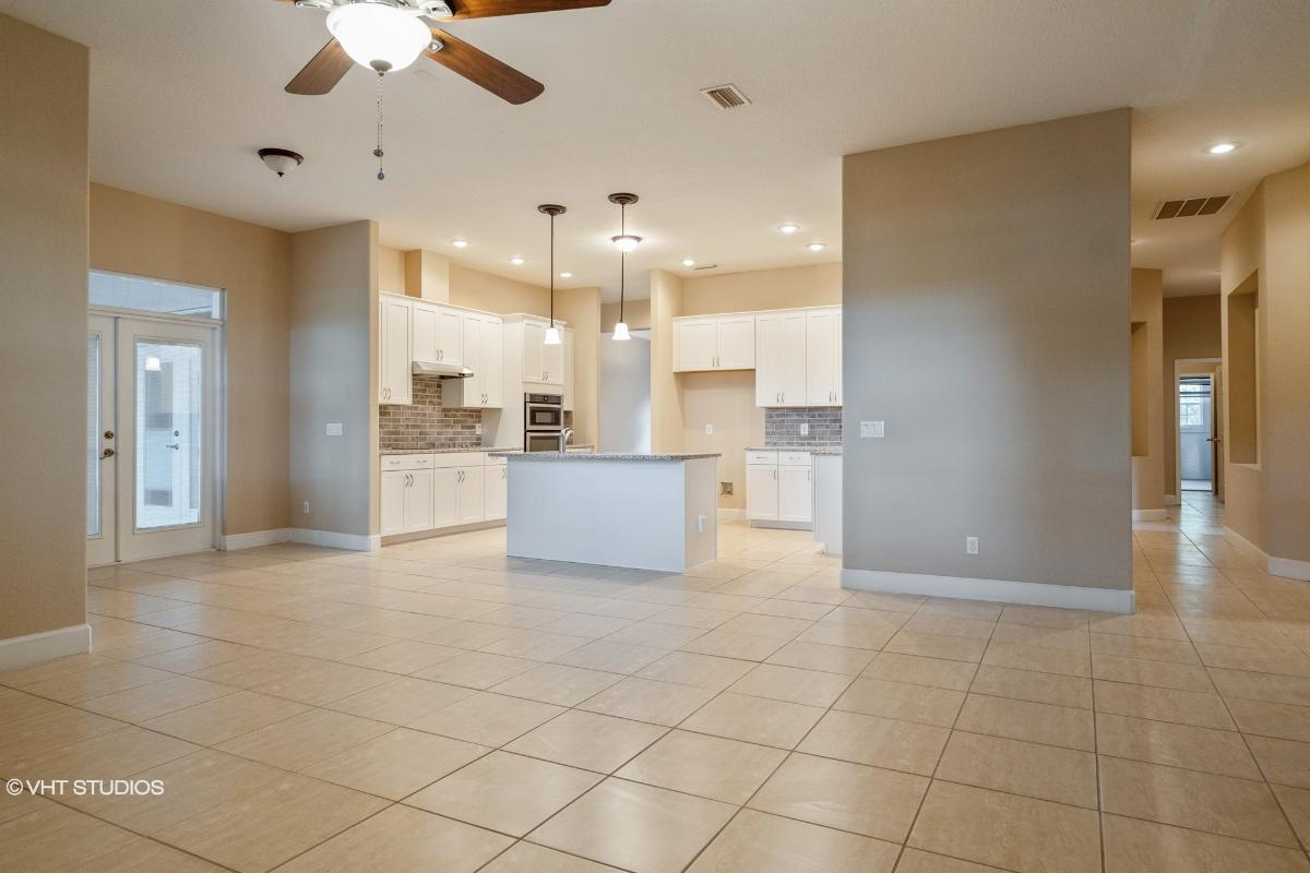 6223 Wild Orchid Dr, Lithia, Florida
