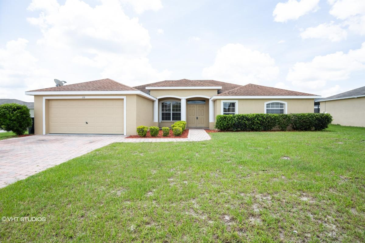 228 Majestic Gardens Ln, Winter Haven, Florida