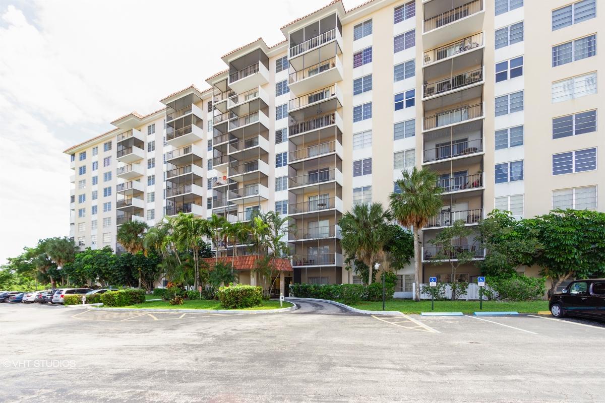 4164 Inverrary Dr Apt 201, Lauderhill, Florida
