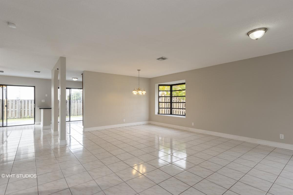 3275 Nw 102nd Ave, Sunrise, Florida