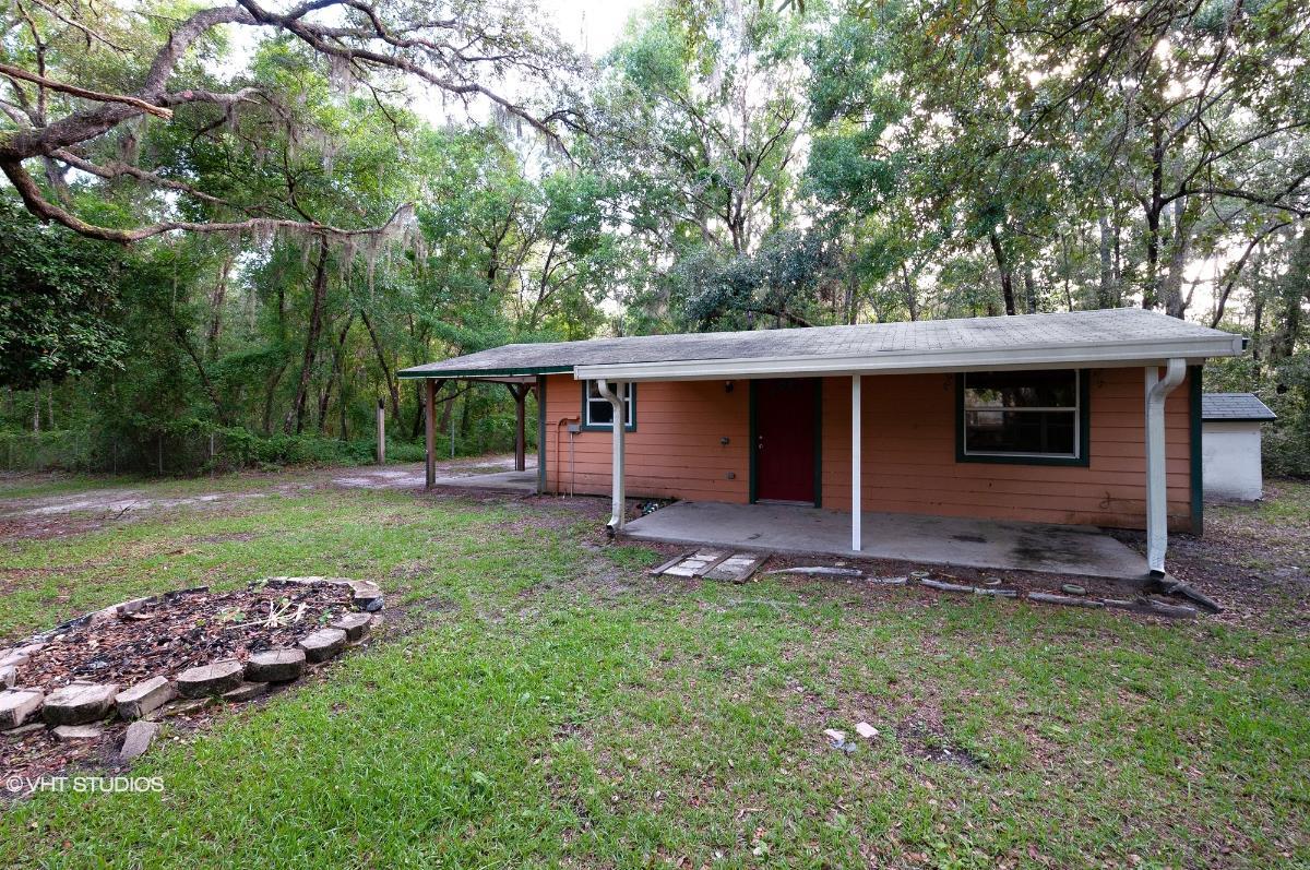 111 Holly Dr, Florahome, Florida