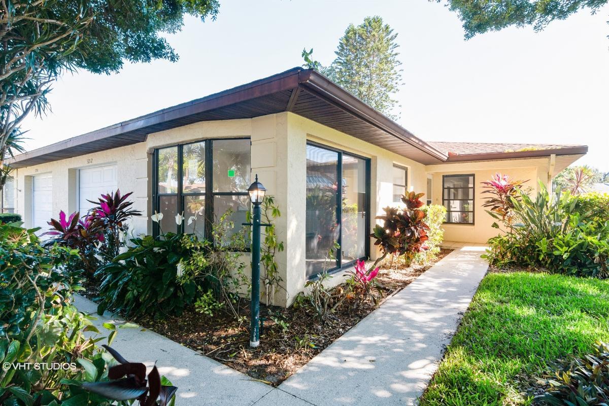 3212 Vivienda Blvd, Bradenton, Florida