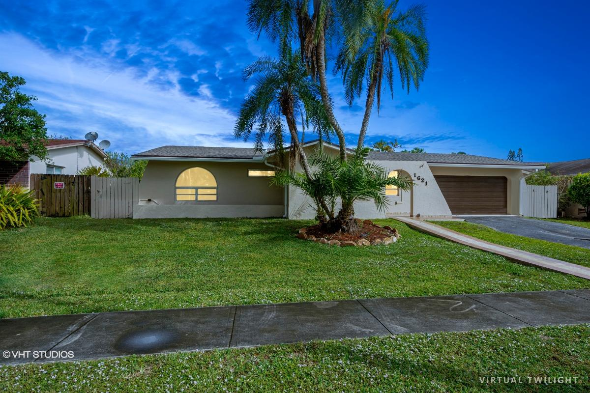 1621 Nw 122nd Ave, Pembroke Pines, Florida