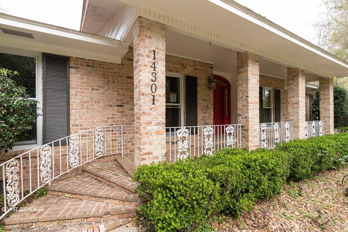 14301 S Wintzell Ave, Bayou La Batre, Alabama