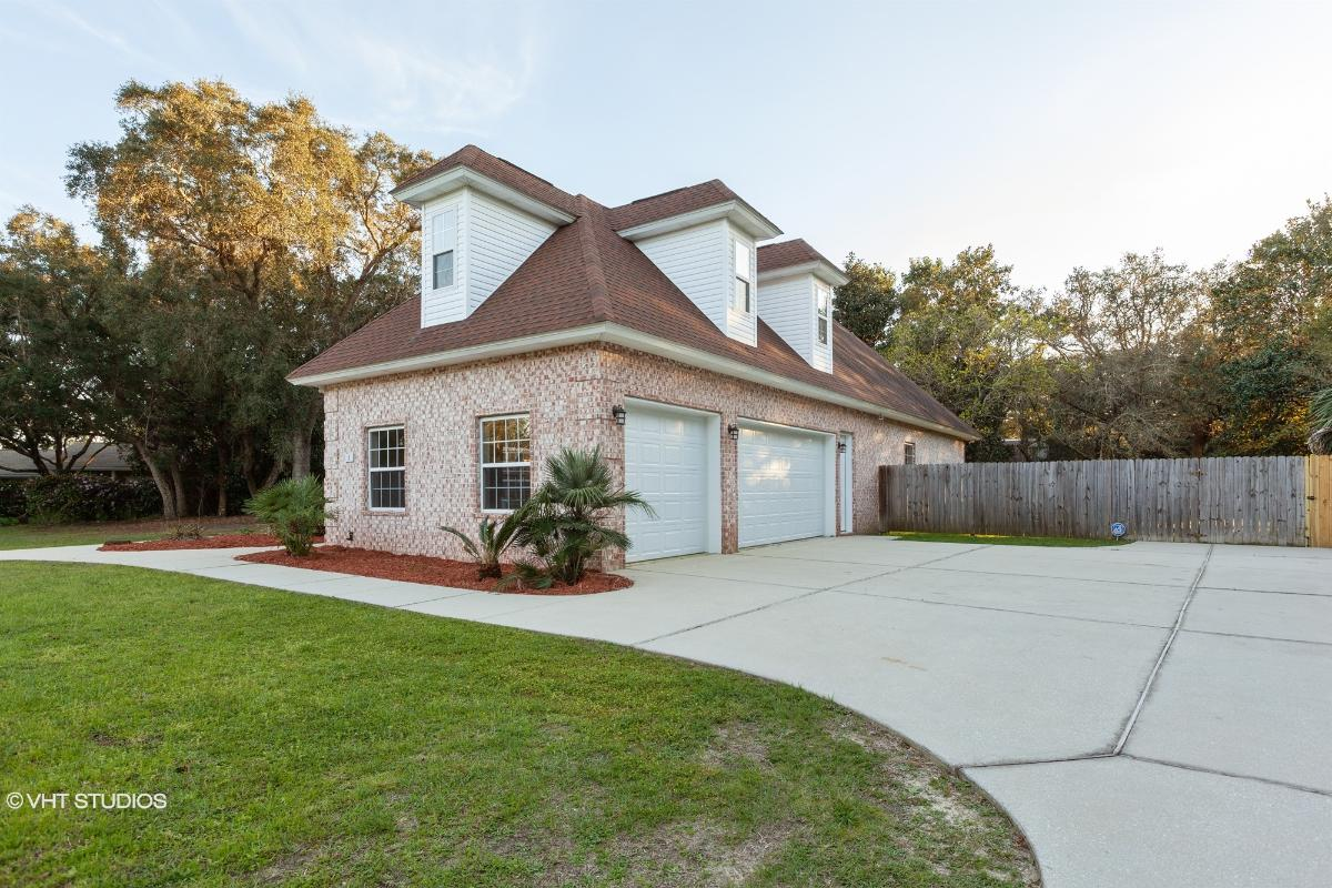 5 Papago Cir, Pensacola, Florida