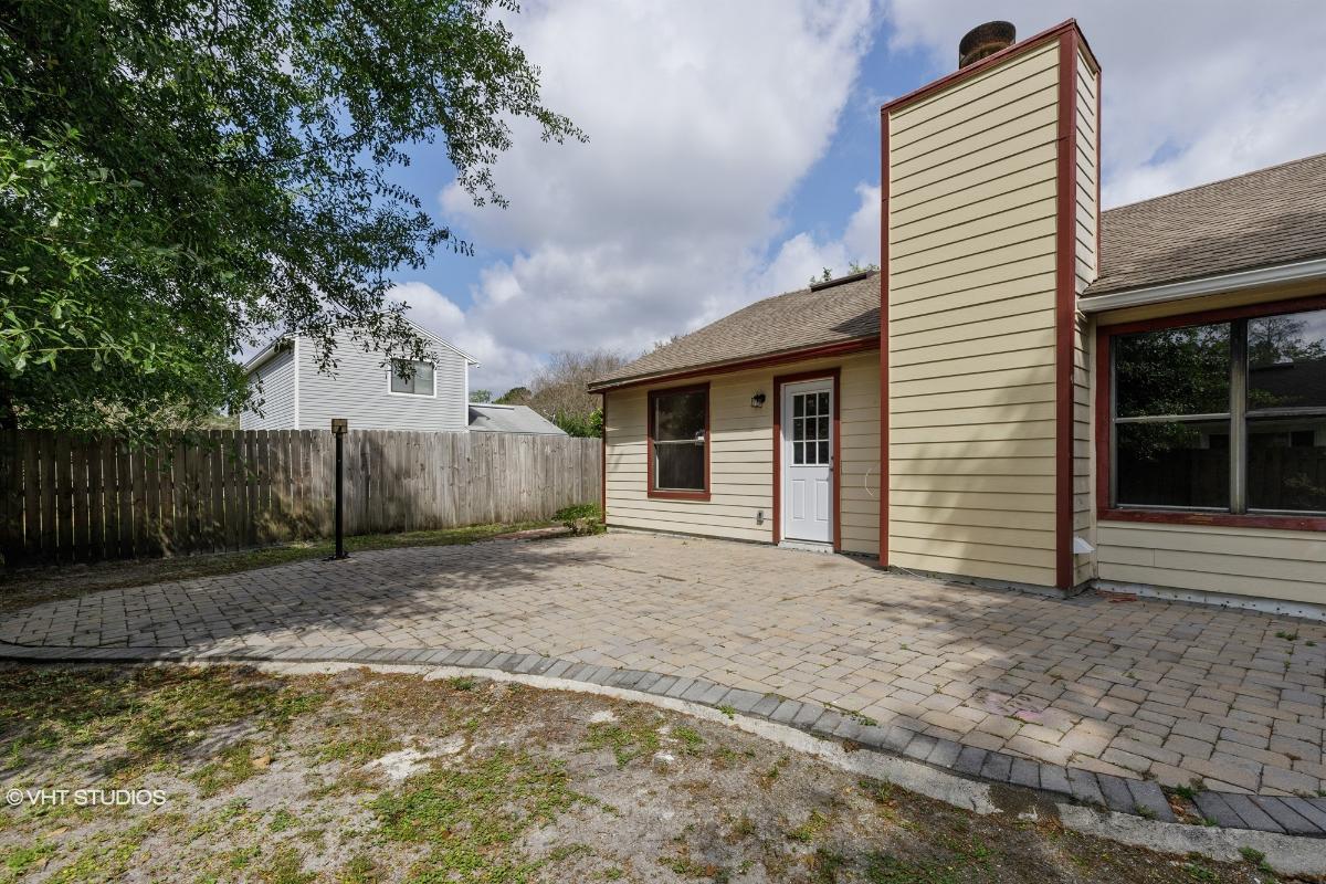 3832 English Colony Dr N, Jacksonville, Florida