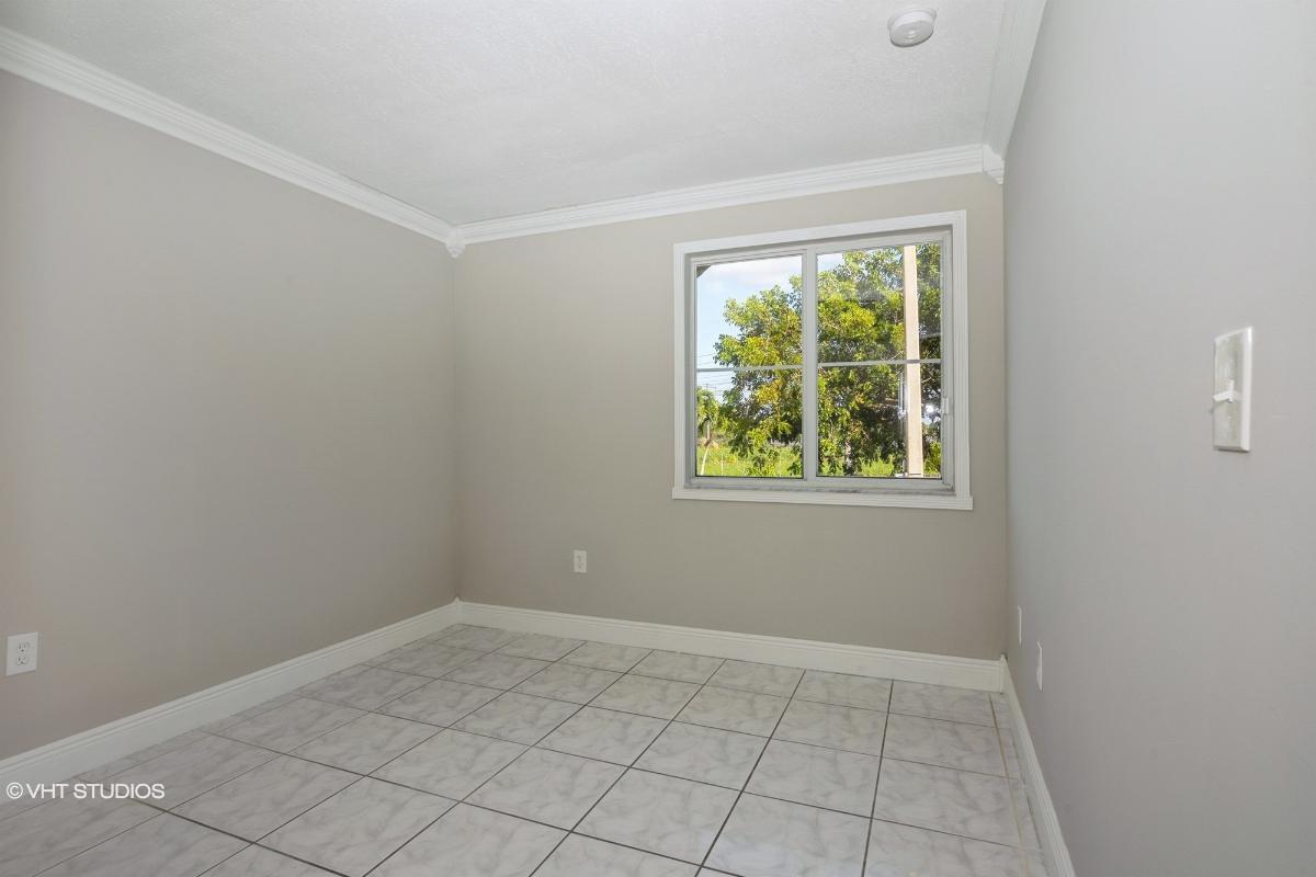 15761 Sw 137th Ave 201, Miami, Florida