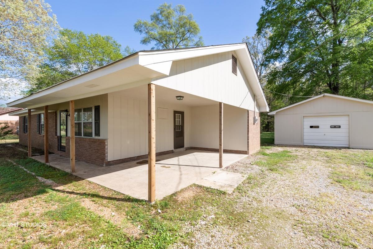 607 Cherokee Road, Caledonia, Mississippi